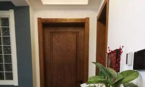 新房装修,木色门与白色门,哪种房门更好呢?这里有妙招