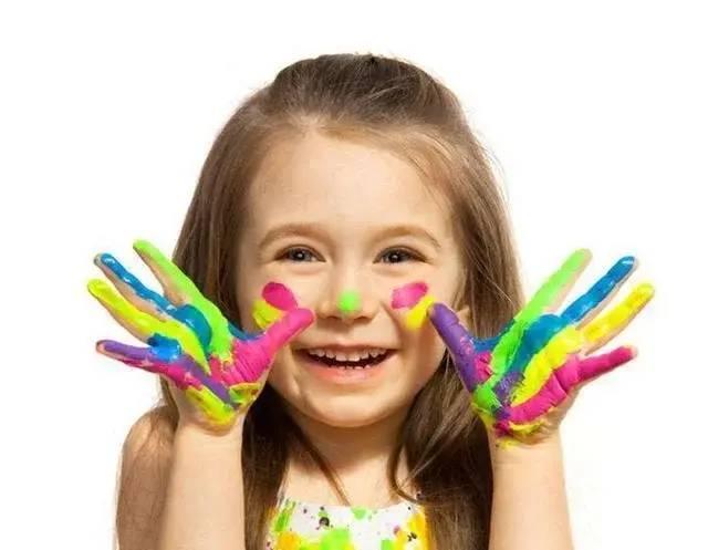 """喜欢""""蓝色""""和喜欢""""粉色""""的孩子,性格截"""