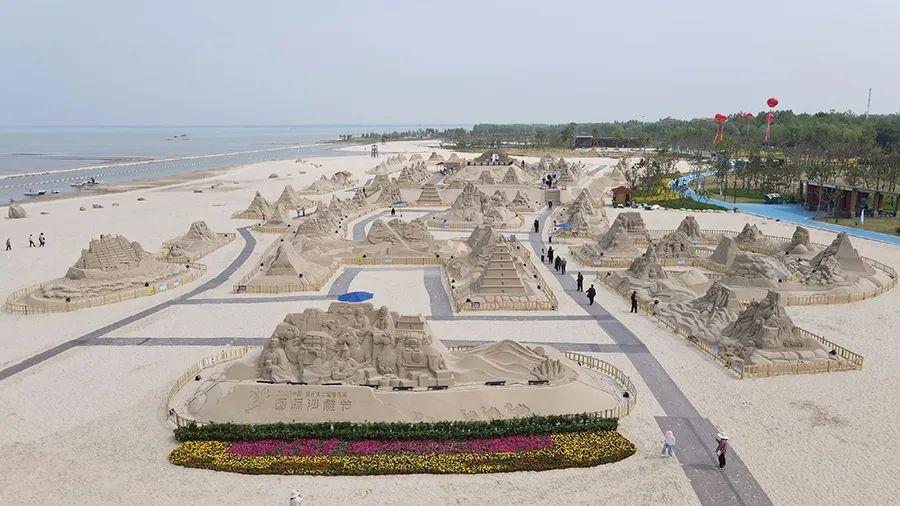 航拍镜头下的骆马湖沙滩公园,到底有多美?沙与水相偎相依,清净