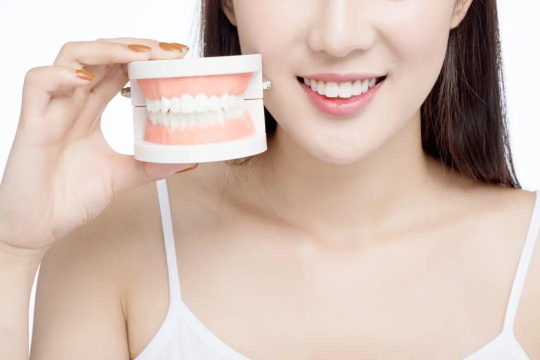 这款美白牙齿的网红神器,建议少用!